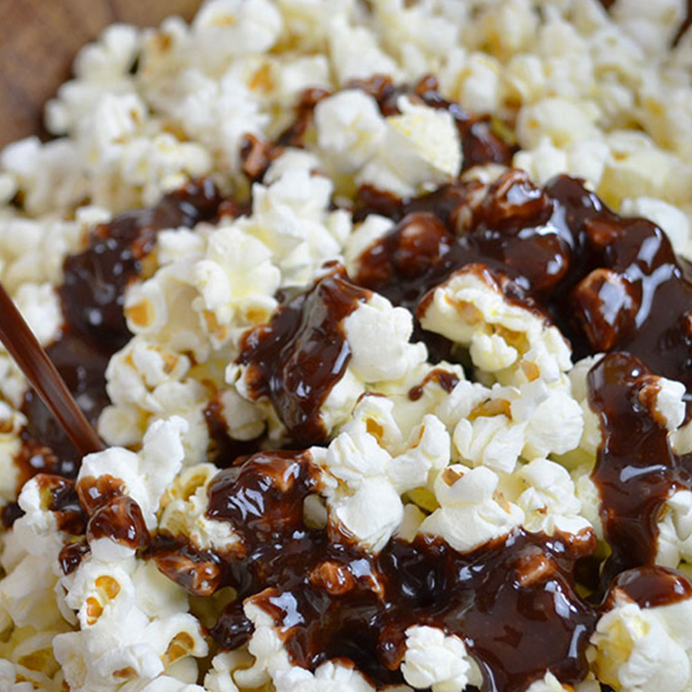 Recipe: Caramel Chocolate Popcorn made with Chocolate Cow Tales